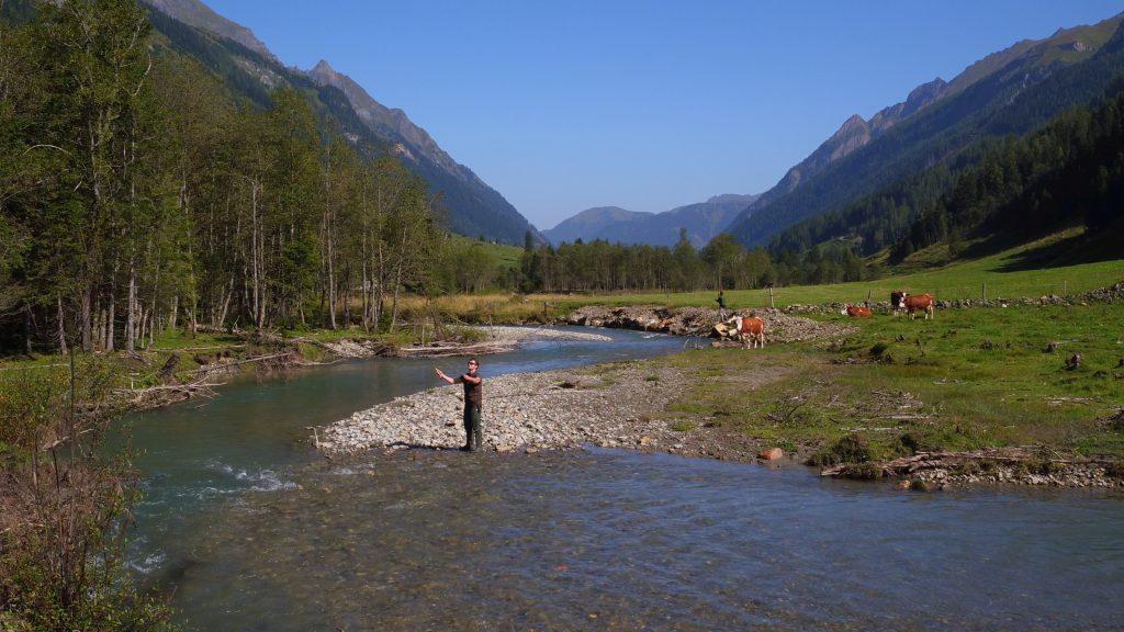 Fischen in der Fuscher Ache